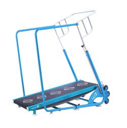 Folding treadmill for swimming pool