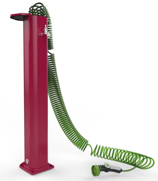 Fontanella rossa con tubo a spirale